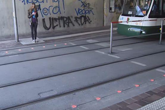 semáforos en el suelo