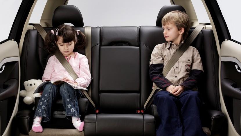 seguridad en la sillita en su vehículo